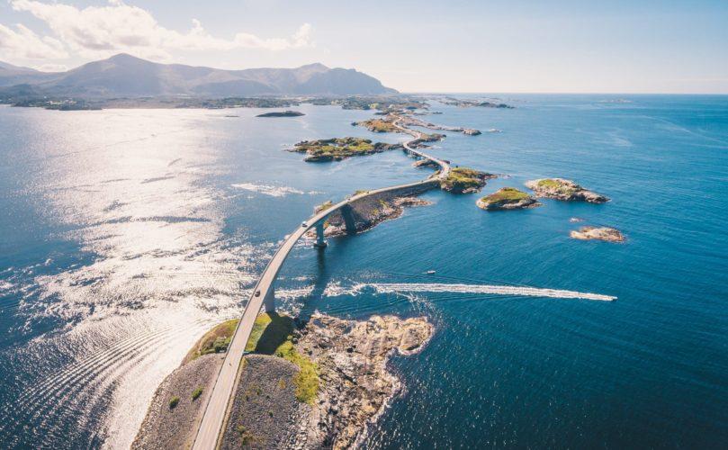 Auf vier Rädern einmal um die Welt: 26 überwältigende Roadtrips