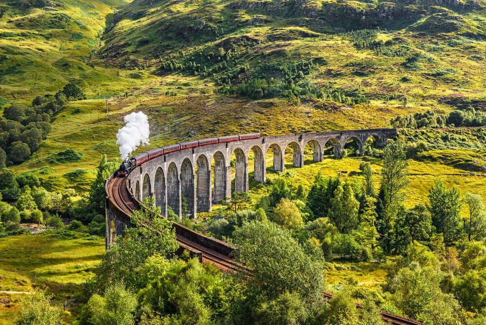 auf 21 Pfeilern: der Glenfinnan-Viadukt © Nick Fox / Shutterstock