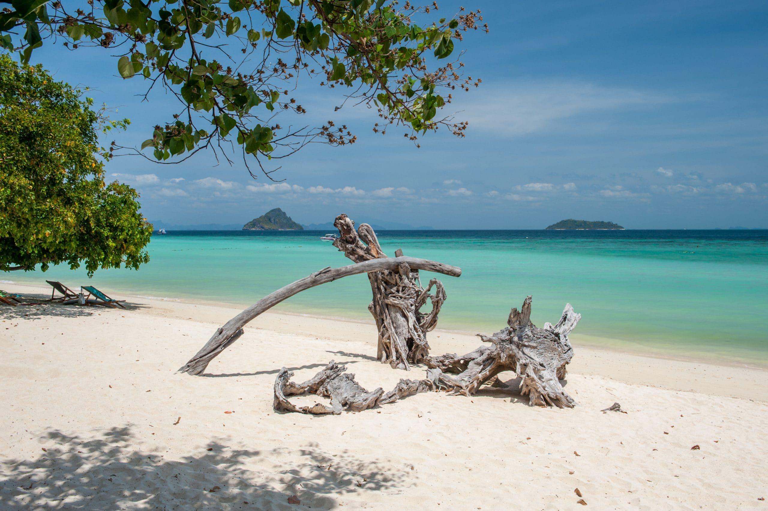 laem tong beach thailand koh phi phi