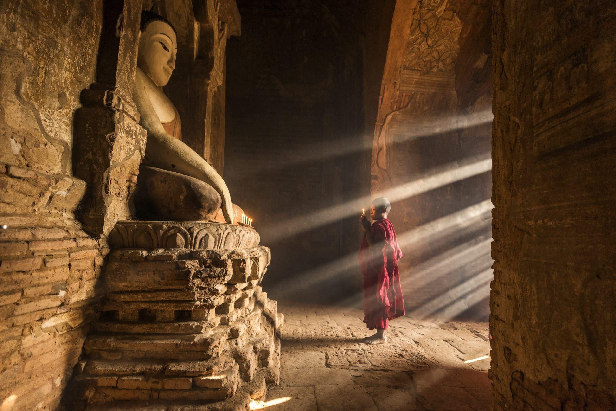 bagan myanmar mönch kloster
