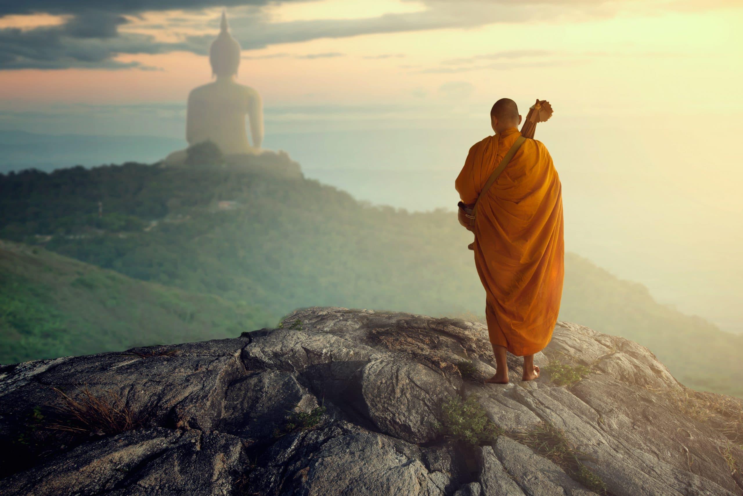 mönche und tempel in myanmar