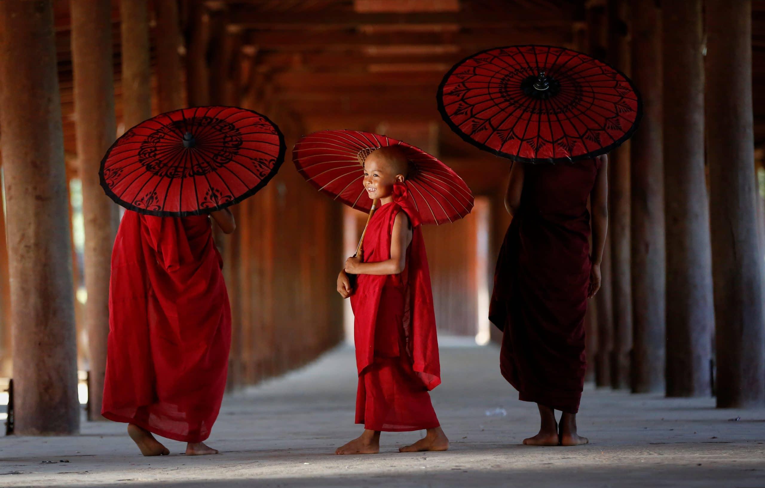 buddhistische mänche pagode myanmar