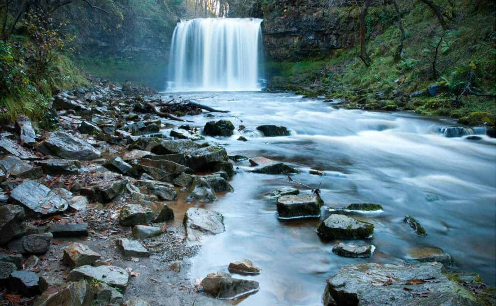 Sgwd Yr Eira Wasserfall, Brecon Beacons Nationalpark in Wales