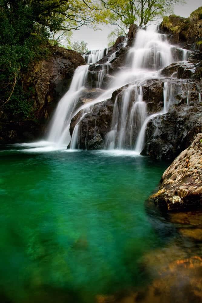 Wasserfall am Berg Snowdon © DJTaylor / Shutterstock
